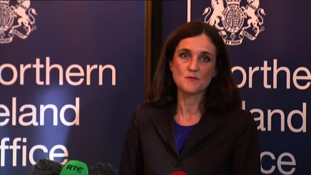 northern ireland leader peter robinson resigns over alleged ira murder england int theresa villiers mp along to podium **villiers press conference... - stormont stock videos and b-roll footage
