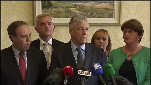 northern ireland leader peter robinson resigns over alleged ira murder int martin mcguinness mla along with gerry adams mla and others mcguinness and... - ロープ仕切り点の映像素材/bロール
