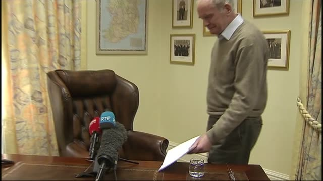 martin mcguinness resigns dates unknown ireland belfast stormont ext martin mcguinness mla along and down steps towards with arlene foster mla int... - ストーモント点の映像素材/bロール