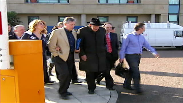 northern ireland peace process: dup call to delay power sharing; northern ireland: belfast: castlereagh borough council headquarters: ext reverend... - dup stock-videos und b-roll-filmmaterial