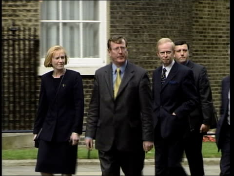 stockvideo's en b-roll-footage met tony blair/bertie ahern to have talks with david trimble lib england londondowning street ext northern ireland first minister david trimble mla... - david trimble