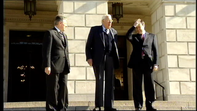 peter robinson to take over from ian paisley as dup leader; northern ireland: belfast: stormont: ext the reverend ian paisley along with peter... - democratic unionist party 個影片檔及 b 捲影像