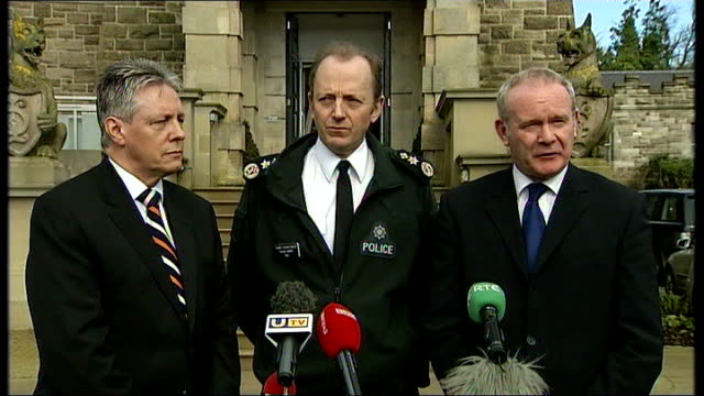 sinn fein condemn attacks press conference outside stormont mcguinness press conference sot the clear message that has to go out from here isn't that... - シンフェイン点の映像素材/bロール