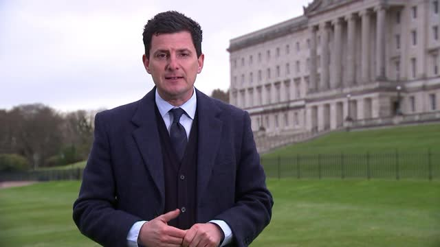 stormont assembly to be recalled after further night of violence; northern ireland: belfast: stormont: ext close shot of windows of stormont building... - war and conflict stock-videos und b-roll-filmmaterial