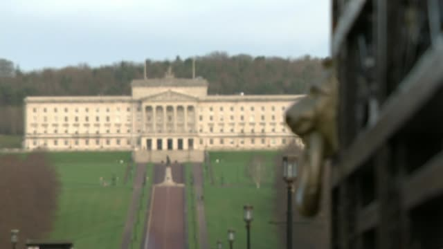talks continue as stormont passes three years of political deadlock northern ireland belfast stormont stormont parliament buildings parliament... - ストーモント点の映像素材/bロール