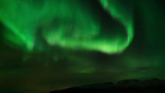 nordlicht, zeitraffer. - polarlicht stock-videos und b-roll-filmmaterial