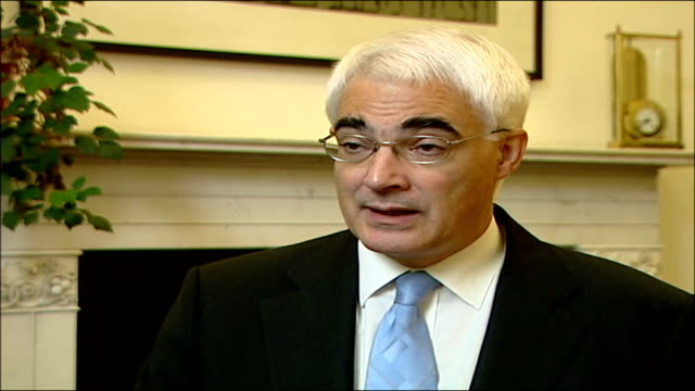 savers withdraw deposits after crash fears int alistair darling mp interview sot - alistair darling stock videos & royalty-free footage