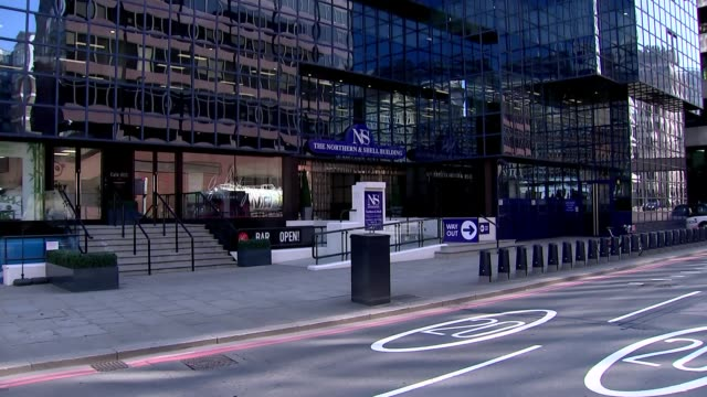 london lower thames street ext gvs northern shell building and entrance sign - news not politics stock videos & royalty-free footage