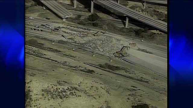 northridge earthquake devastation on january 17 1994 in northridge california - anno 1994 video stock e b–roll