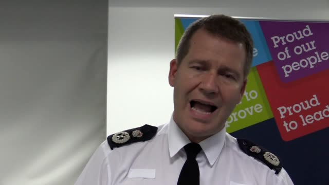northumbria police chief constable steve chapman talks about using a police informant to investigate a grooming gang in newcastle and the positive... - 警察署長点の映像素材/bロール