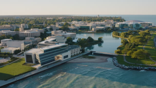 vidéos et rushes de northwestern university campus aerial footage - chicago illinois