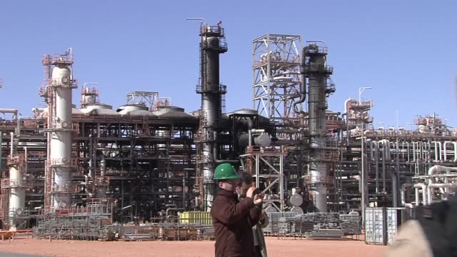Norwegian Statoil organises a media visit to the Algerian gas facility that was attacked more than two weeks ago by Islamist gunmen who took hundreds...