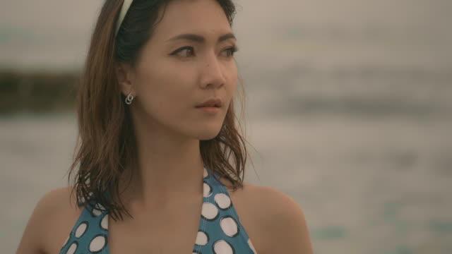 ノスタルジックな女性 - beautiful woman点の映像素材/bロール