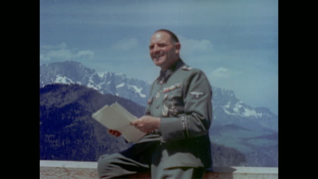 vídeos de stock e filmes b-roll de from eva braun's home movie collection - oficial posto militar