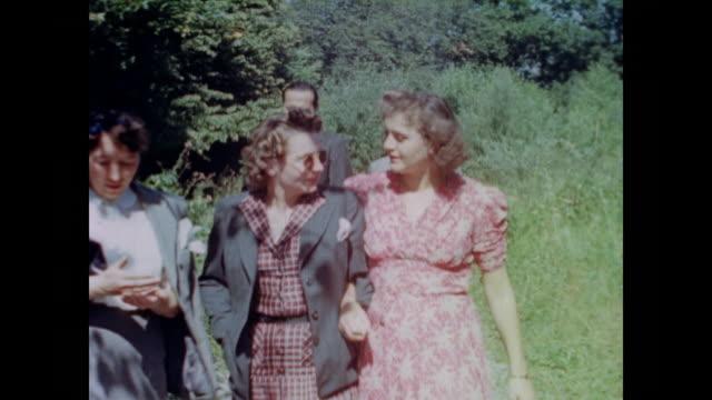 from eva braun's home movie collection - kreuz religiöser gegenstand stock-videos und b-roll-filmmaterial