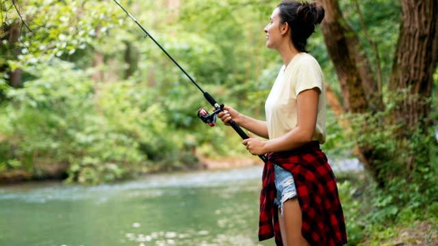 """vídeos de stock, filmes e b-roll de nada diz """"zen"""" alto como a pesca faz! - forester"""