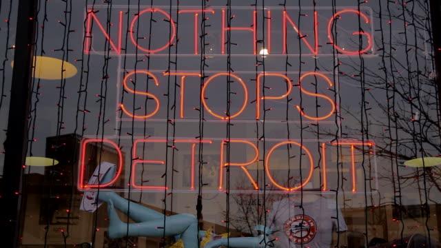 vidéos et rushes de nothing stops detroit - detroit