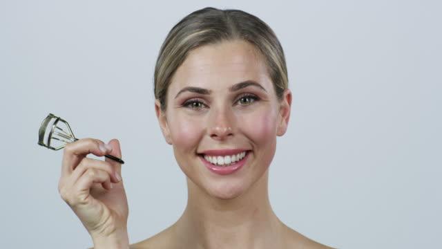 Nothing uplifts your eyes like an eyelash curler