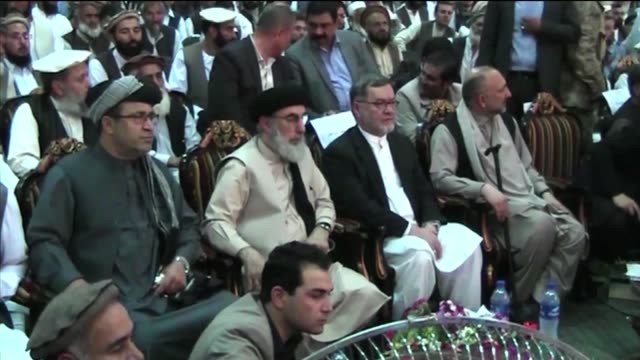 vídeos de stock e filmes b-roll de notorious afghan warlord and ex-prime minister gulbuddin hekmatyar appeared in public with sarwar danesh afghanistan's vice president after returning... - prime minister