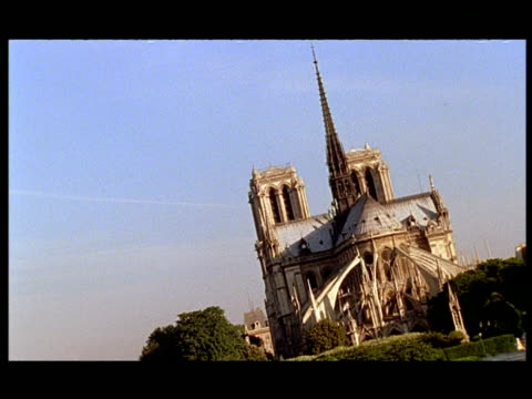 wa notre dame cathedral, paris, angled - turmspitze stock-videos und b-roll-filmmaterial