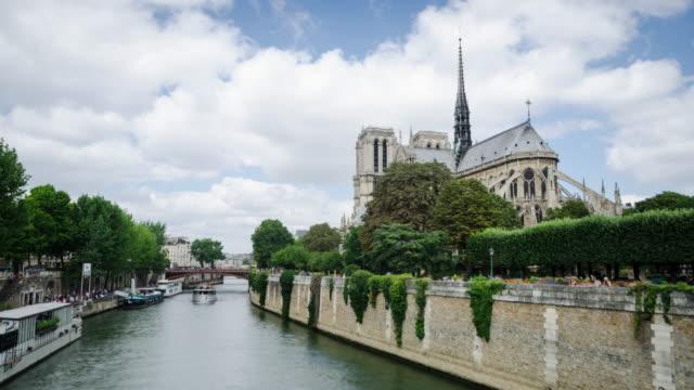 Notre Dame Paris time lapse