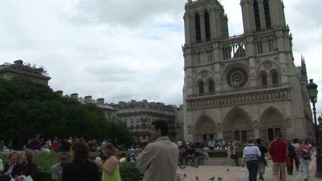 NotreDame de Paris Exterior BRoll 03