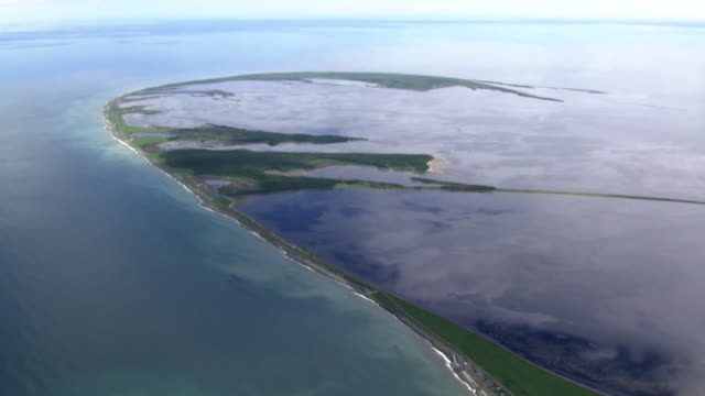 vídeos de stock e filmes b-roll de aerial, notsuke peninsula, hokkaido, japan - banco de areia