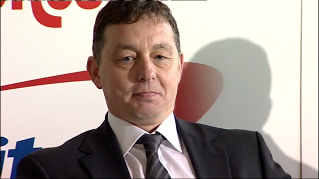 nottingham forest welcome new manager billy davies england nottingham city ground int billy davies into room and press conference sot - allenatore video stock e b–roll