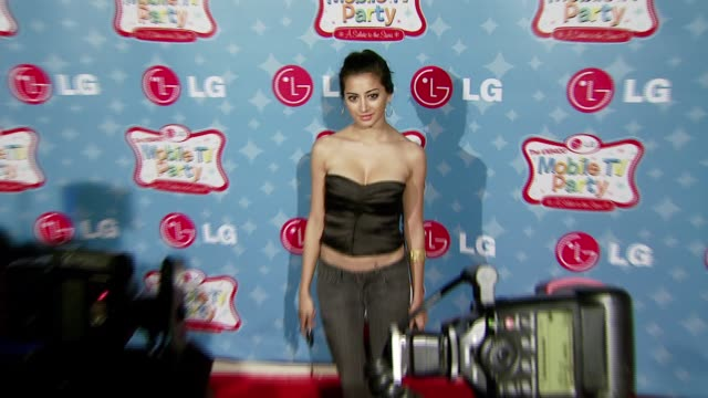 Noureen DeWulf at the LG Mobile Phones Introduces the Future of TV at LG's Mobile TV Party at Paramount Studios in Hollywood California on June 19...