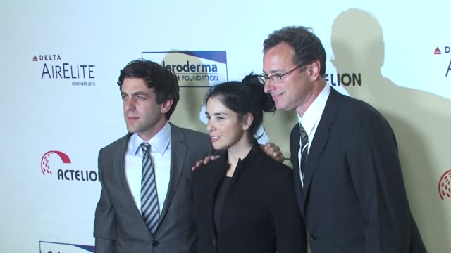 bj novak sarah silverman bob saget at the scleroderma research foundation's 'cool comedy hot cuisine' at beverly hills ca - b.j. novak stock videos and b-roll footage