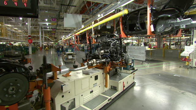 november 18 2008 pan machines in auto plant / lansing michigan united states - lansing stock videos and b-roll footage