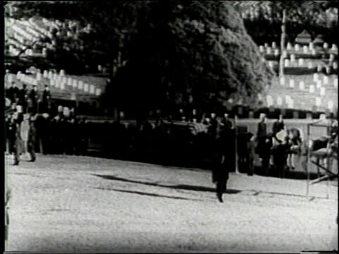 november 25, 1963 horse-drawn caisson carrying casket of john f. kennedy arriving at arlington cemetery / washington, d.c., united states - horsedrawn stock videos & royalty-free footage