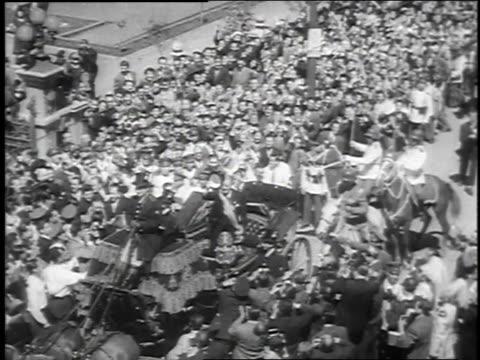 november 3, 1952 montage presidential inauguration of carlos ibanez in santiago / chile - 1952 bildbanksvideor och videomaterial från bakom kulisserna