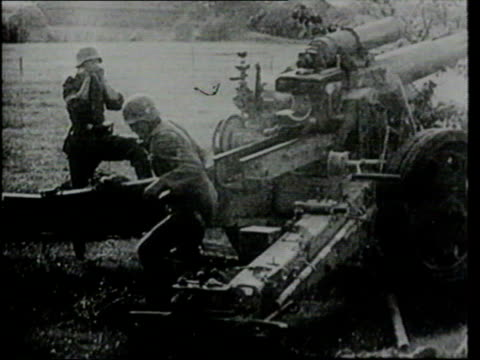 november; in 1942 german tanks rolled into southern france b/w lib ex the world war ii collection g-itn042) poland: ext german tanks entering poland... - world war ii stock-videos und b-roll-filmmaterial
