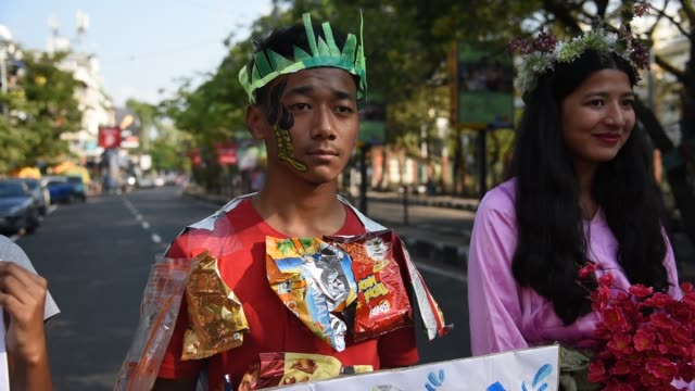 november students from various institutions take part in a protest in support of the global action against climate changes friday for future in... - globe navigational equipment stock videos & royalty-free footage
