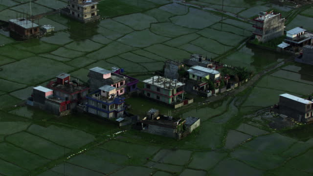 népal :village in the rice fields - paddy field stock videos & royalty-free footage