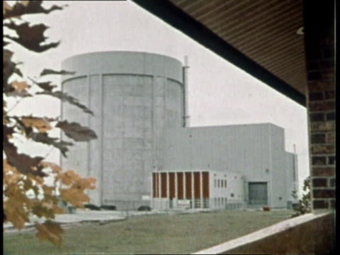 1974 MONTAGE nuclear power plant and employees working