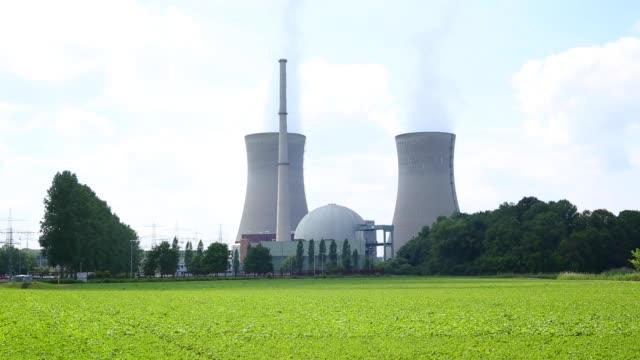 kernkraftwerk - atomkraftwerk stock-videos und b-roll-filmmaterial