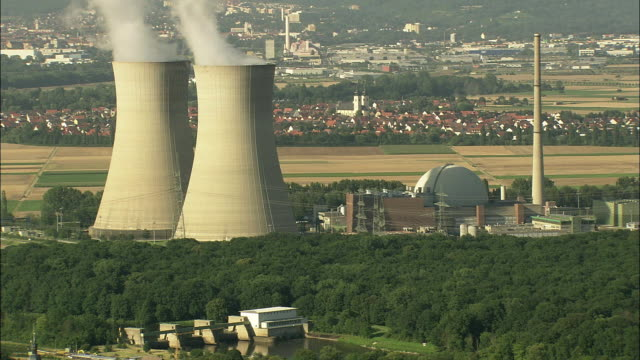 aerial nuclear power station, hergoslausen, bavaria, germany - atomkraftwerk stock-videos und b-roll-filmmaterial