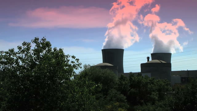 nuclear power station - atomkraftwerk stock-videos und b-roll-filmmaterial