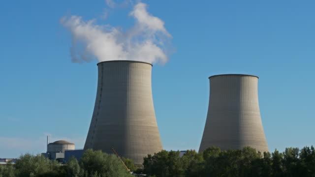 vidéos et rushes de nuclear power station,belleville-sur-loire, cher department, france - centrale nucléaire