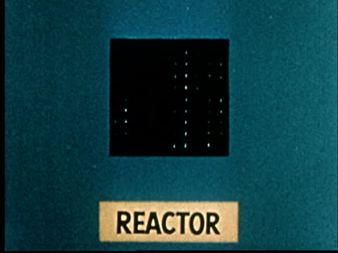 animation 1953 nuclear reactor - atomkraftwerk stock-videos und b-roll-filmmaterial