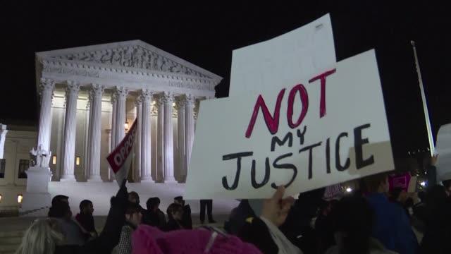 vídeos y material grabado en eventos de stock de nuevas protestas contra decisiones de donald trump - ee.uu