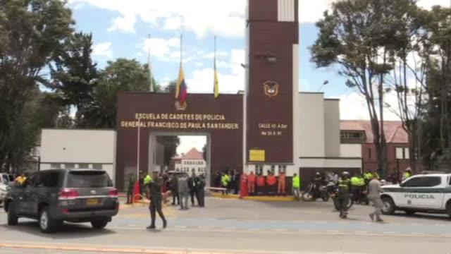 nueve personas murieron y 54 resultaron heridos el jueves por el estallido de un coche bomba en una academia de policia en bogota las autoridades lo... - terrorismo stock videos & royalty-free footage