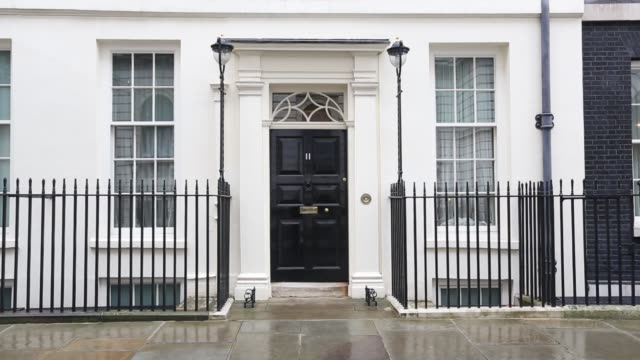 number 11 downing street - downing street stock videos & royalty-free footage