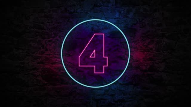 vídeos de stock e filmes b-roll de number 4 neon sign on brick background 4k animation - número 4
