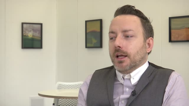 vídeos de stock e filmes b-roll de number of homophobic hate crimes in london has doubled london int lukasz konieczka set up shots with reporter / interview sot adam sabbora and aspen... - homofobia