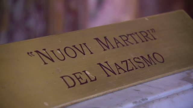 nuovi martiri del nazismo plaque - nazismo stock videos & royalty-free footage
