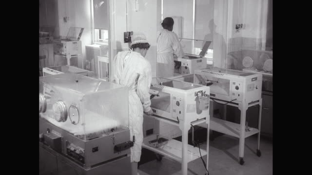 MS Nurses monitoring baby in incubator / United States