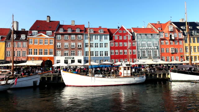 nyhavn, copenhagen - copenhagen video stock e b–roll